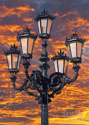 Photograph - Lamp Post At Sunset by Rod Jones
