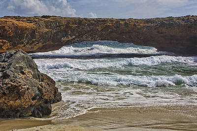 White Cap Digital Art - Land Bridge On Coast Of Aruba by Linda Phelps