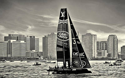 Photograph - Land Rover Boat America's Cup New York 1 Black And White by Nishanth Gopinathan