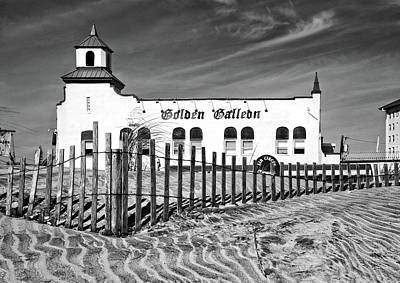 Photograph - Landmark Building On Ocean City Nj Boardwalk by Carolyn Derstine