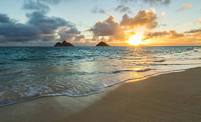 Photograph - Lanikai Beach Sunrise 2 by Leigh Anne Meeks