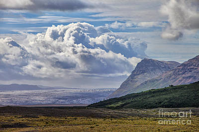 Photograph - Large Cloud by Rick Bragan
