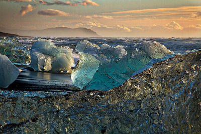 Photograph - Large Icebergs At Dawn #2 by Stuart Litoff