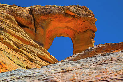 Photograph - Large Sandstone Arch Valley Of Fire by Frank Wilson