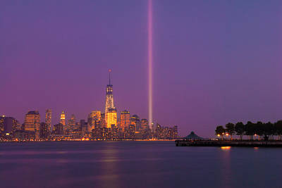 Photograph - Laser Twin Towers In New York City by Ranjay Mitra