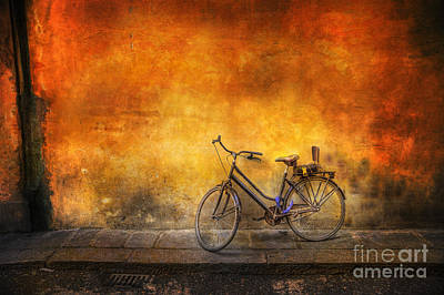 Photograph - Last Bicycle Of Florence by Craig J Satterlee