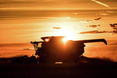 Photograph - Last Bit Of Sun by Todd Klassy