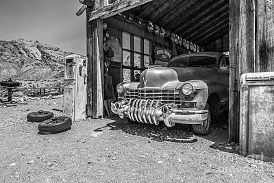 Photograph - Last Chance Gas - Old Desert Garage Bw by Edward Fielding