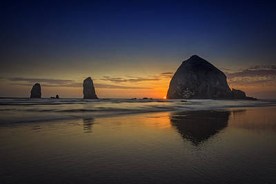 Last Light At Cannon Beach Art Print by Rick Berk