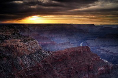 Last Light At The Canyon Art Print by Andrew Soundarajan
