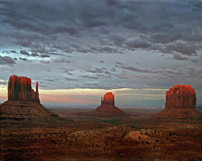 Photograph - Last Light, Monument Valley by Jeff Brunton