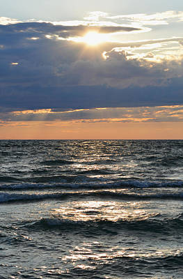 Sauble Beach Photograph - Last Rays Of Sunlight by Richard Andrews