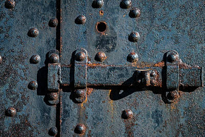Photograph - Latch by Gary Lengyel