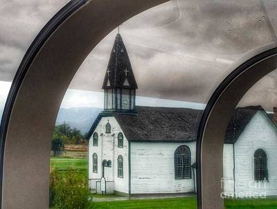 Photograph - Late For Church by Susan Garren