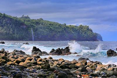 Print featuring the photograph Laupahoehoe Point by DJ Florek
