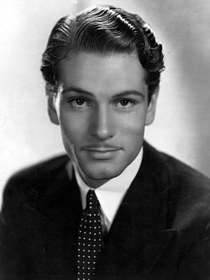 Laurence Photograph - Laurence Olivier, Portrait With Polka by Everett