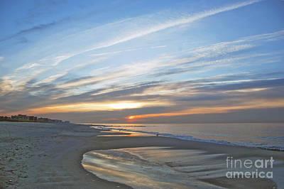 Lb Sunrise Art Print by Scott Evers