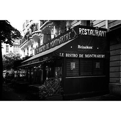 Le Bistro De Montmartre  #travel Art Print
