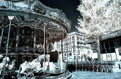 Photograph - Le Carrousel by John Rizzuto