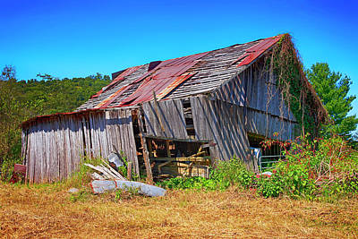 Photograph - Leaning Tennessee Barn by Chris Smith