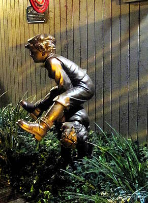 Photograph - Leap Frog Statue  by Chris Mercer