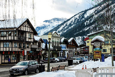 Photograph - Leavenworth Kiosk With Snow by Tom Cochran