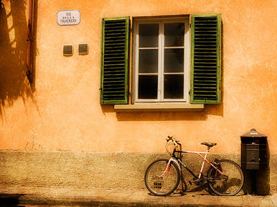 Photograph - Left Flat In Lucca by Mick Burkey