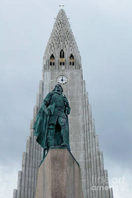 Photograph - Leif Erickson Statue by Catherine Sherman