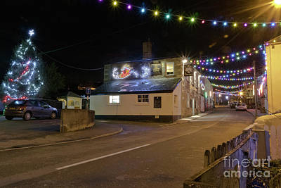 Photograph - Lemon Arms Mylor Bridge At Christmas by Terri Waters