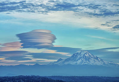 Photograph - Lenticular Cloud by Jerry Cahill