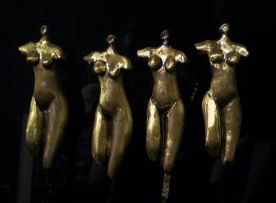 Sculpture - Les Femmes by Adalardo Nunciato  Santiago