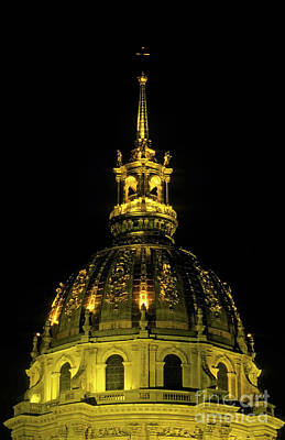 Les Invalides Lit Up At Night In Paris Art Print