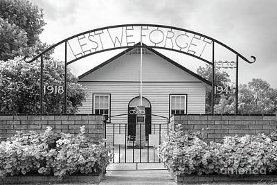 Photograph - Lest We Forget by Linda Lees
