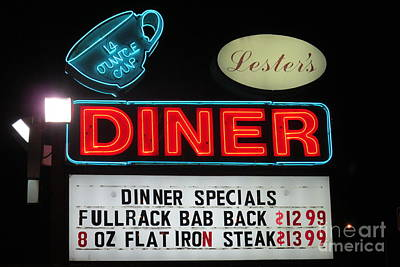 Sign In Florida Photograph - Lesters Diner by Randall Weidner