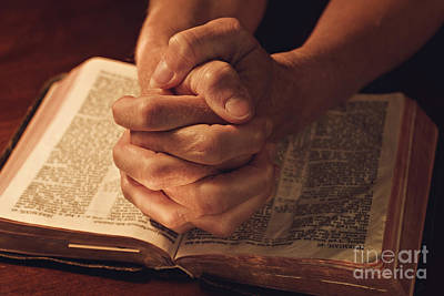 Hands Folded Photograph - Let Us Pray And Be Thankful by Carolyn Rauh