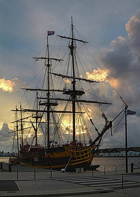 Photograph - L'etoile Du Roy Pirate Ship by Shirley Mitchell