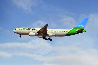 Level Airbus A330-202 Art Print