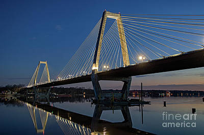 Photograph - Lewis And Clark Bridge - D009999 by Daniel Dempster