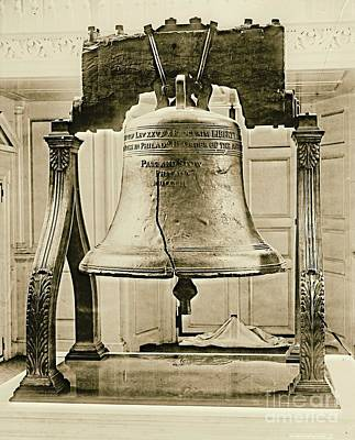 Liberty Bell At Independence Hall 1901 Art Print
