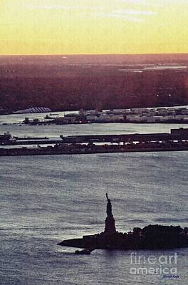 Photograph - Liberty In The Fading Light by Sarah Loft