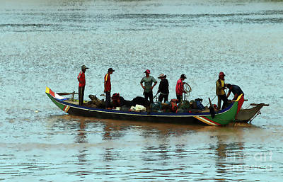 Angkor Thom Photograph - Life On The Mekong-8 by Linda Parker