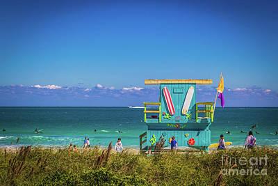 Photograph - Lifeguard House 4457 by Carlos Diaz
