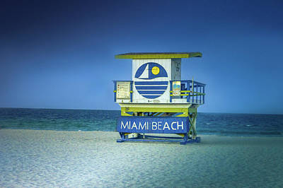 Florida Digital Art -  Lifeguard Tower by Art Spectrum