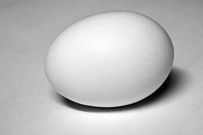 Photograph - Light And Egg 15 by Isam Awad