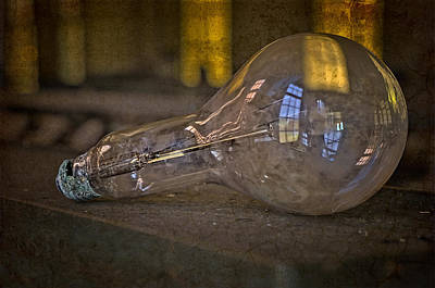 Photograph - Light Bulb by Susan Candelario