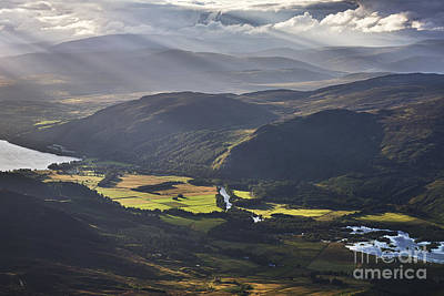 Perth Photograph - Light Streams, Kinloch Rannoch by Rod McLean