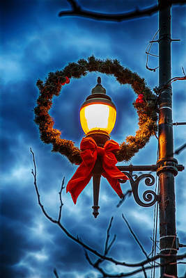 Digital Art - Lighted Christmas Wreath by John Haldane
