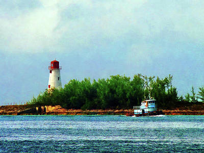 House Photograph - Lighthouse And Boat Nassau Bahamas by Susan Savad
