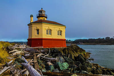 Coquille River Lighthouse Photograph - Lighthouse And Driftwood by Garry Gay