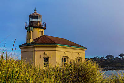 Coquille River Lighthouse Photograph - Lighthouse And Dune Grass by Garry Gay